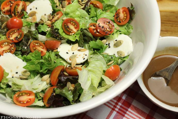 Salada com aceto balsâmico