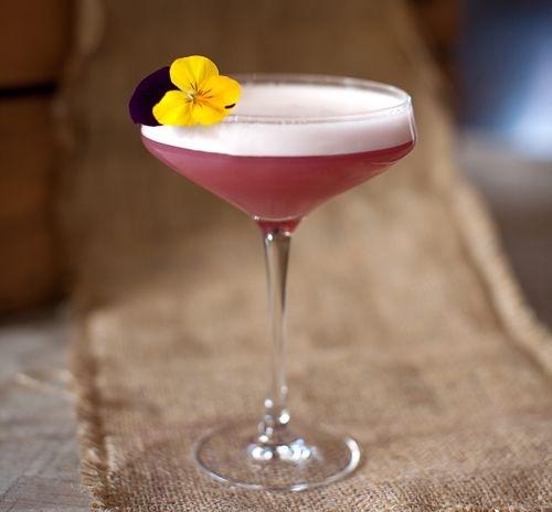 Drink com hibisco e grand manier
