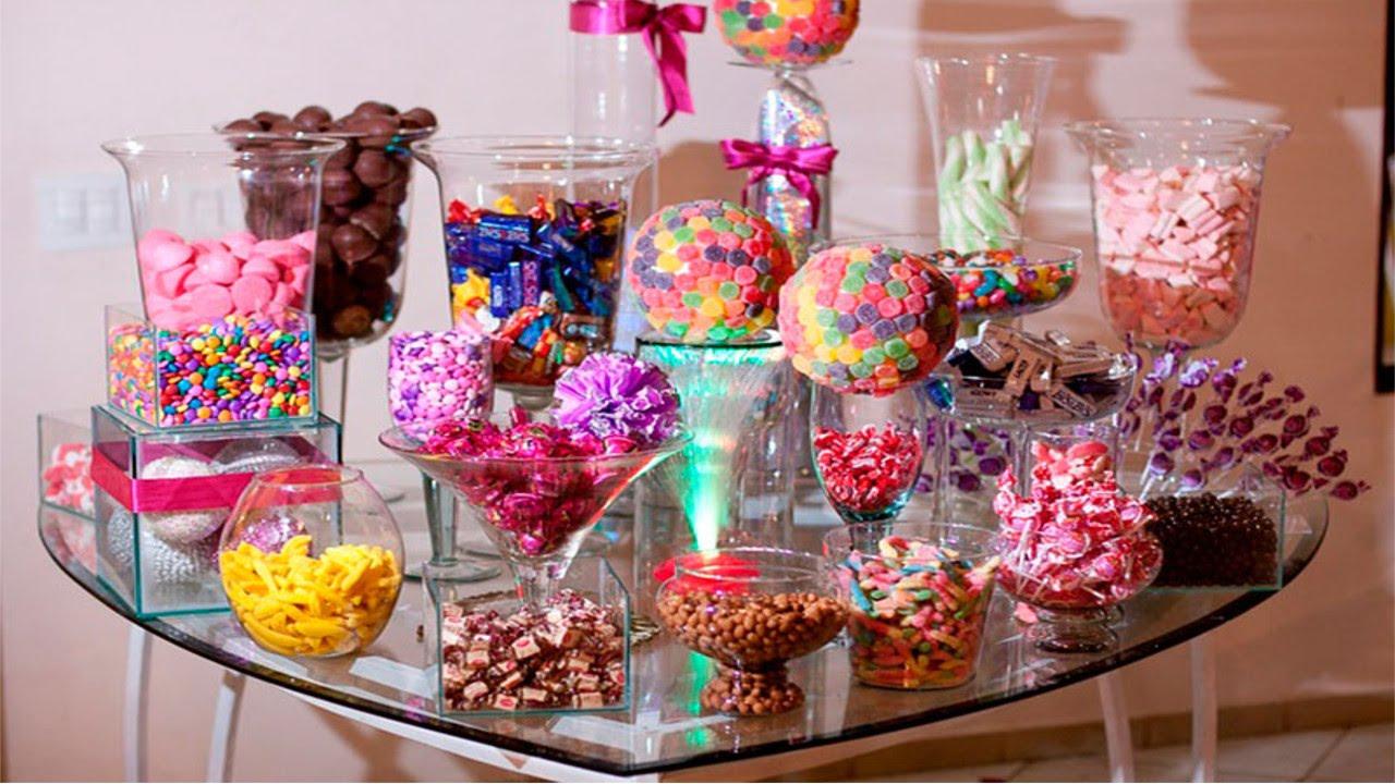 Mesa de doces variados