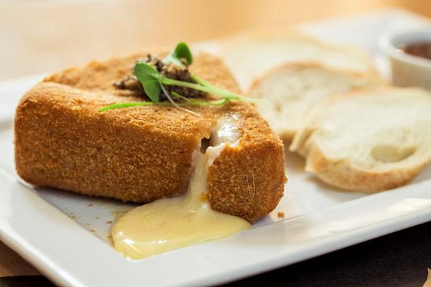 Brie empanado